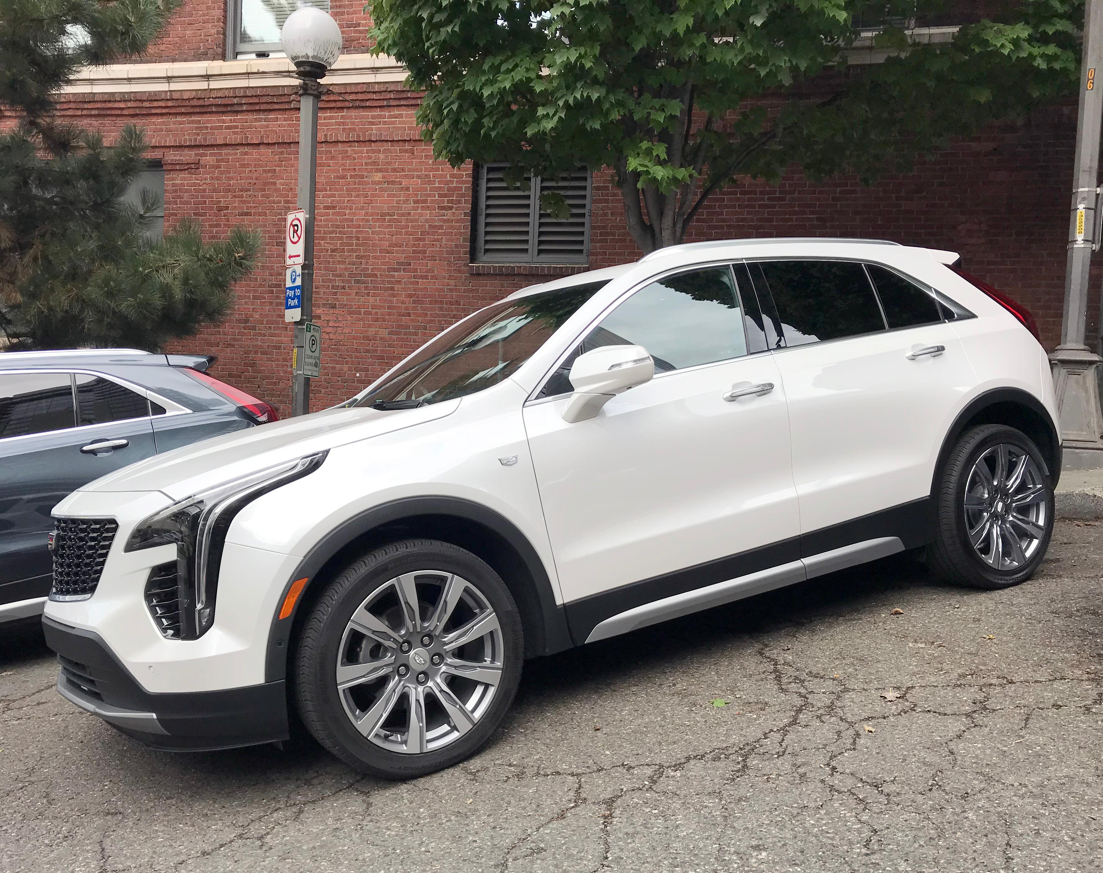 Photo Gallery 2019 Cadillac Xt4 Kocb