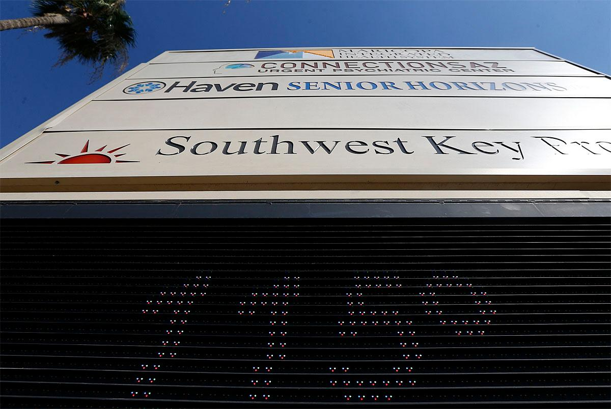 The late afternoon temperature hits 115-degrees in downtown Phoenix, Monday, June 19, 2017.  Airlines canceled flights in Phoenix and doctors urged people to be careful around concrete, playground equipment and vehicle interiors Monday as a punishing heat wave threatens to bring temperatures approaching 120 degrees to parts of the Southwestern U.S. (AP Photo/Ross D. Franklin)