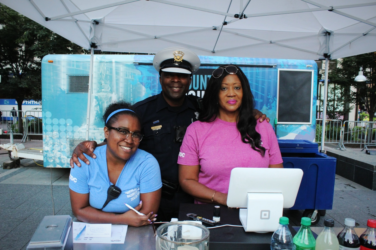 Jasmine, Officer Derrick, and Samantha with 3CDC / Image: Katie Robinson, Cincinnati Refined // Published: 9.19.18