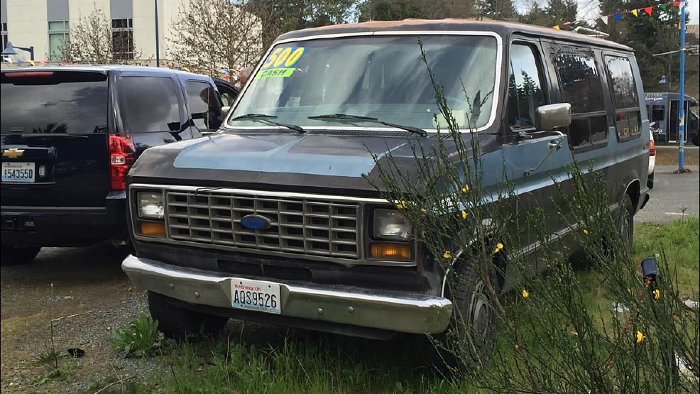 police customer at des moines used car lot finds body inside van for sale kval. Black Bedroom Furniture Sets. Home Design Ideas