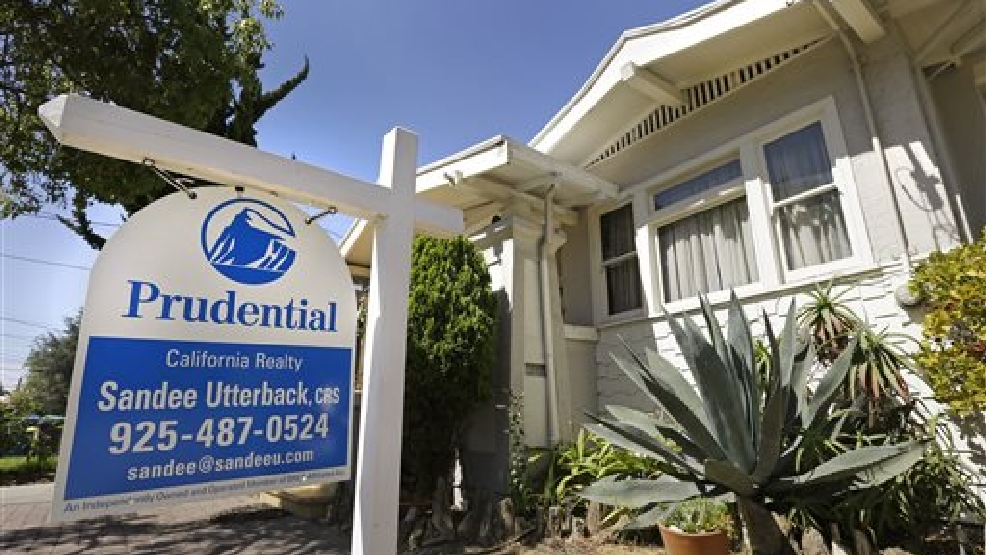 This Monday, July 14, 2014 file photo shows a home for sale in Alameda, Calif. Freddie Mac reports on average U.S. mortgage rates for this week on Thursday, Aug. 28, 2014. (AP Photo/Ben Margot, File)