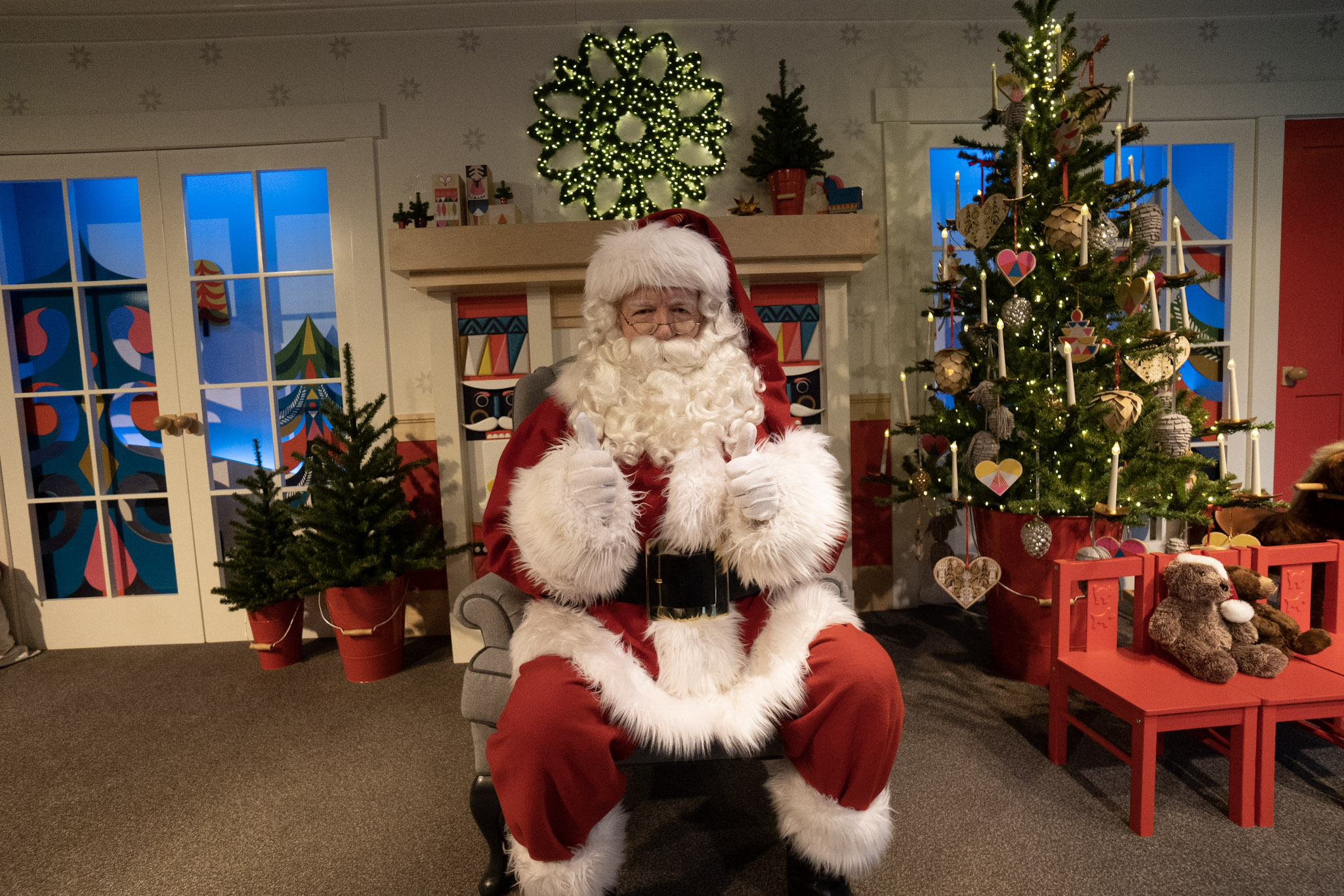 Visiting Santa and sharing your holiday wish list a fun tradition for many people. Refined got to go behind the scenes with Santa as he got ready to greet folks in his special spot in the window on 6th Avenue in the Nordstrom Downtown Seattle store. (Credit: Nordstrom)