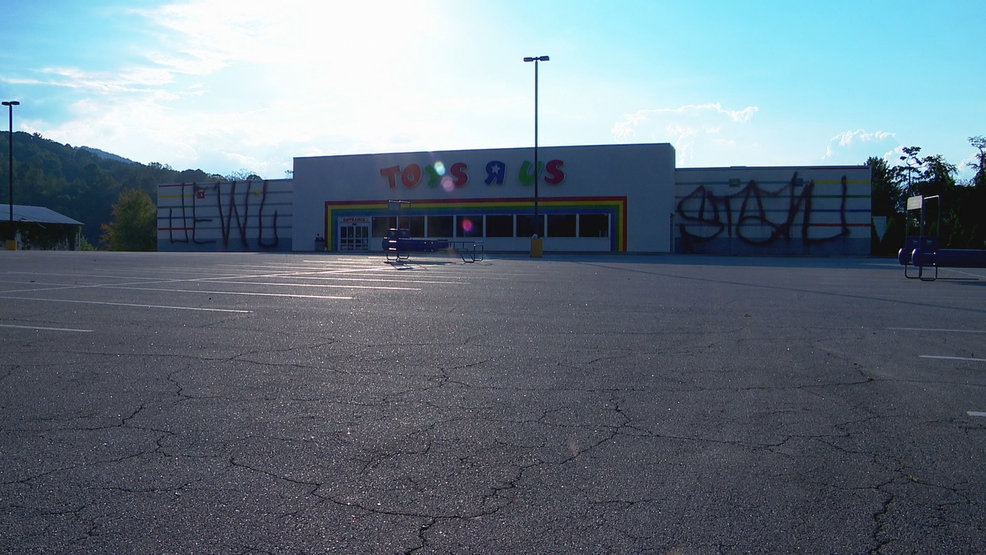 Taggers Hit Old Toys R Us Building On Brevard Road Wlos