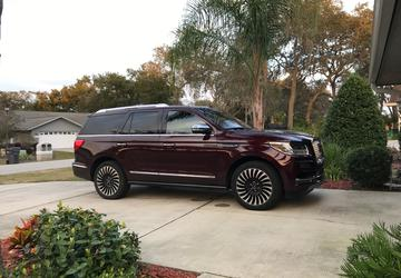 PHOTO GALLERY: 2018 Lincoln Navigator