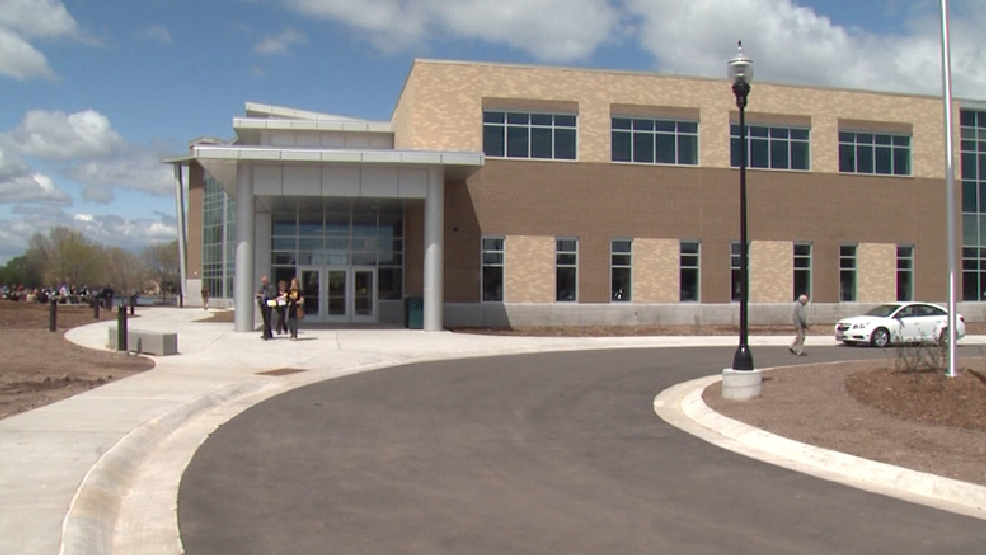 The University of Wisconsin-Oshkosh opened the doors to its alumni welcome and conference center on Friday, May 16, 2014. (WLUK)