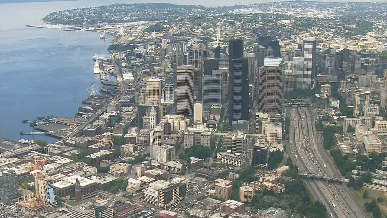 Power restored after hour-long outage leaves Downtown Seattle in the