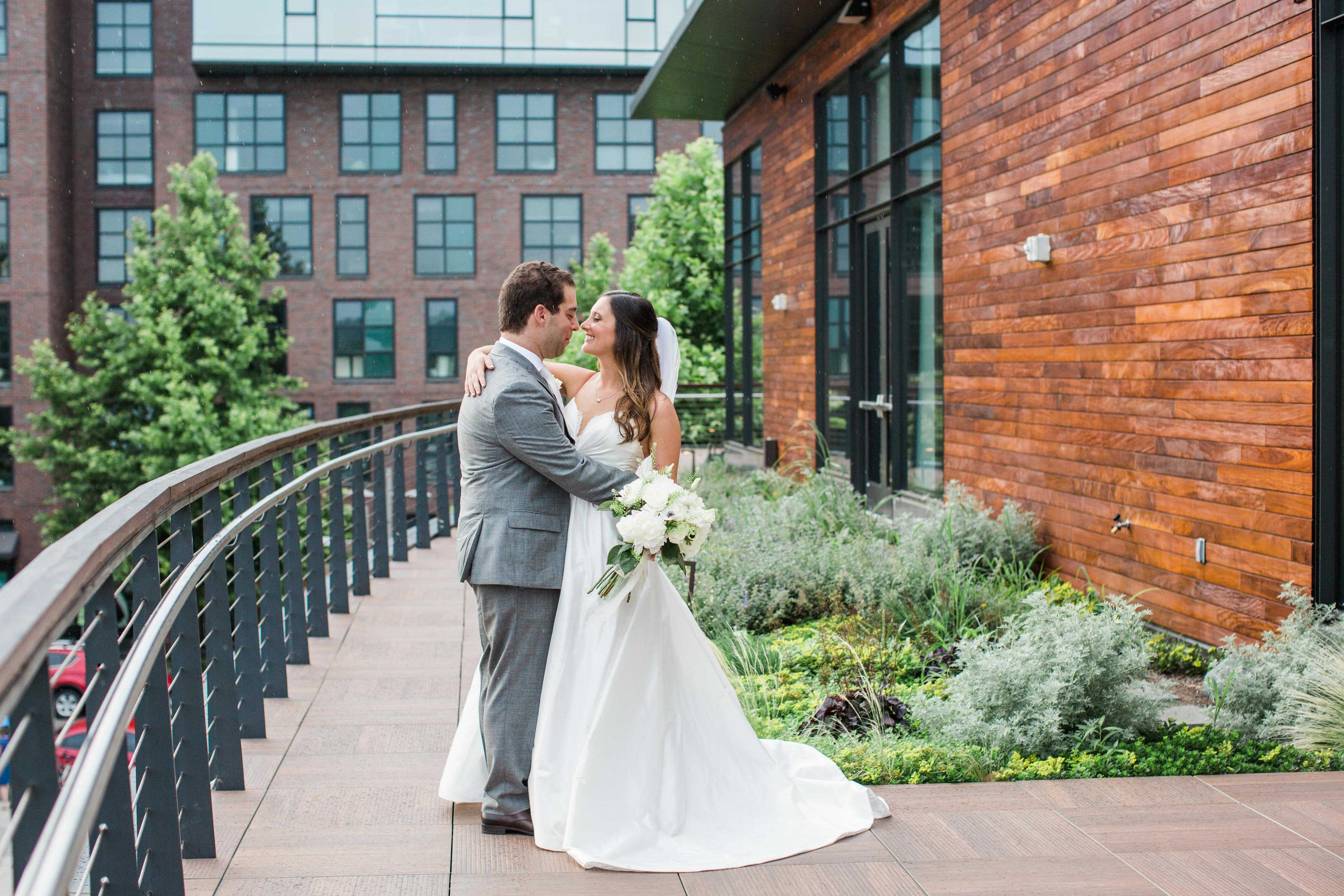 """It was perfect for us, because it fit all 200 people, had everything included and had lots of natural light."" (Image: Birds of a Feather Photography/{ }http://birdsofafeatherphotos.com){ }"