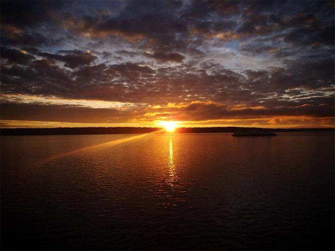 Sunrise Christmas Morning From the Edmonds-Kingston Ferry - (Photo: YouNews contributor: ravenspy)